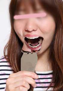 歩夢ちゃん再び 銀歯、自分で見てみよっか♪